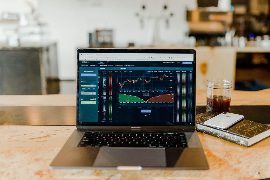Stock market analyst
